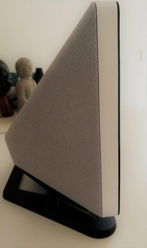 Qu'il est beau Amazon Echo Show 2 en version blanc et de profil