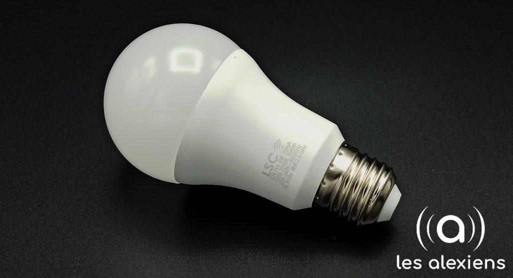 Unboxing Ampoule LSC Smart Connect LED E27