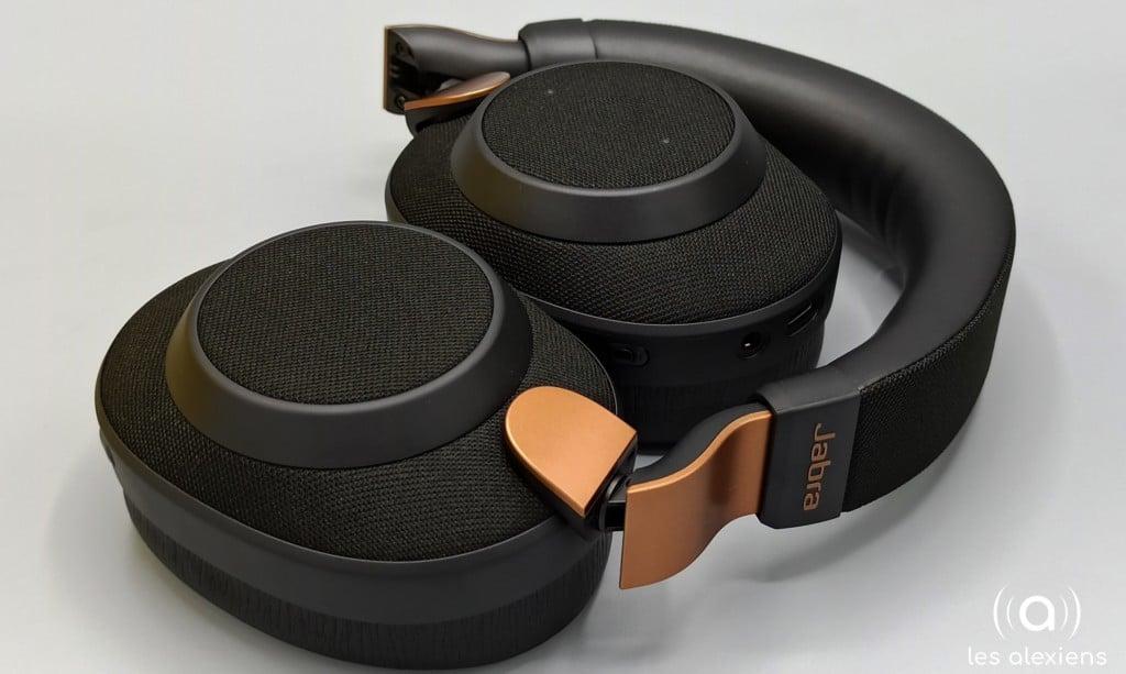 Les écouteurs du Jabra Elite refermé