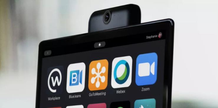 Zoom disponible chez Google, Amazon et Facebook : les écrans connectés serviront à faire de la visioconférence