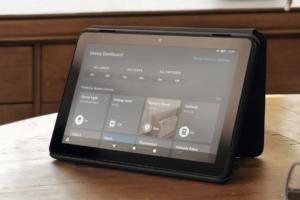 La tablette Fire HD 10 avec l'écran Maison connectée