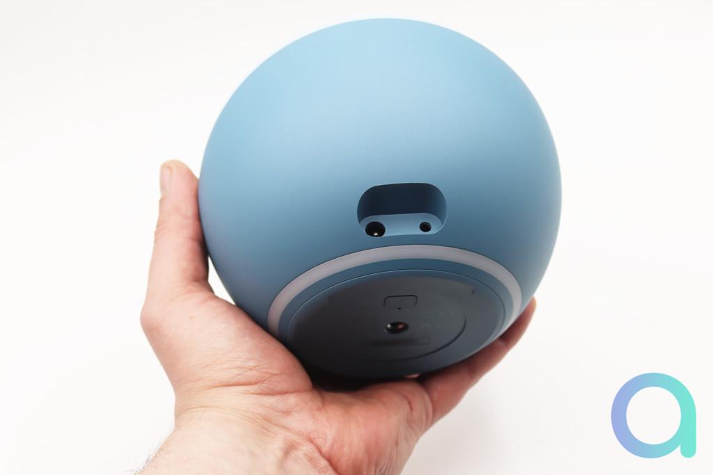 Le prise mini-jack 3.5 mm permet une entrée ou une sortie audio