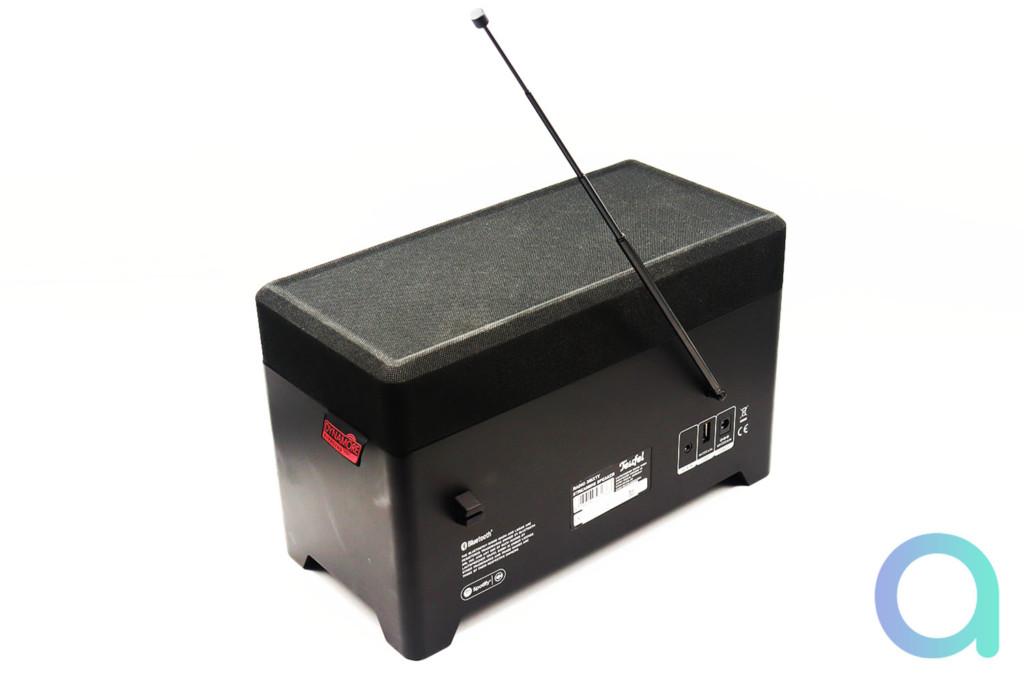 Teufel 3 Sixty : vue arrière avec l'antenne DAB+