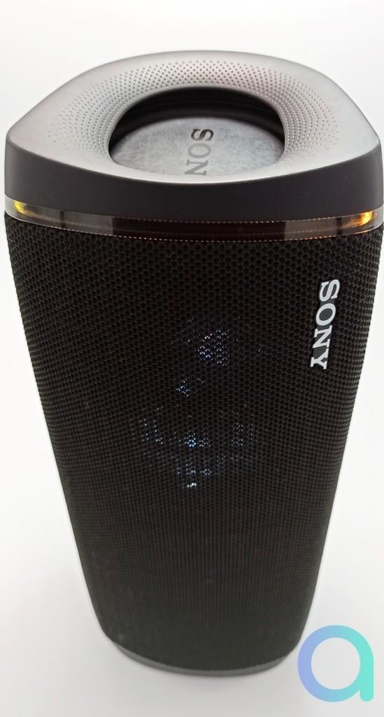 Sony SRS-XB43 en position verticale