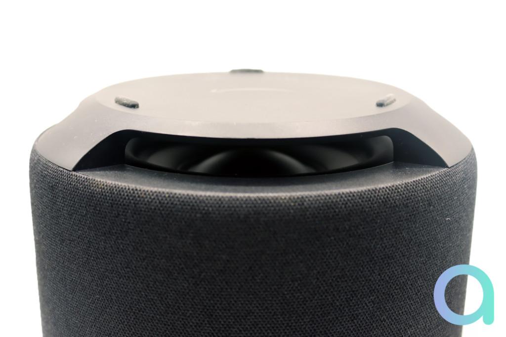 Le haut-parleur down-fire d'Echo Sub