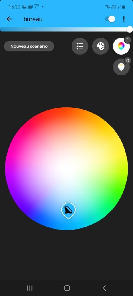Application Philips Hue et panel des 16 millions de couleurs possibles pour la Phlips Hue Bloom white an colors ambiance