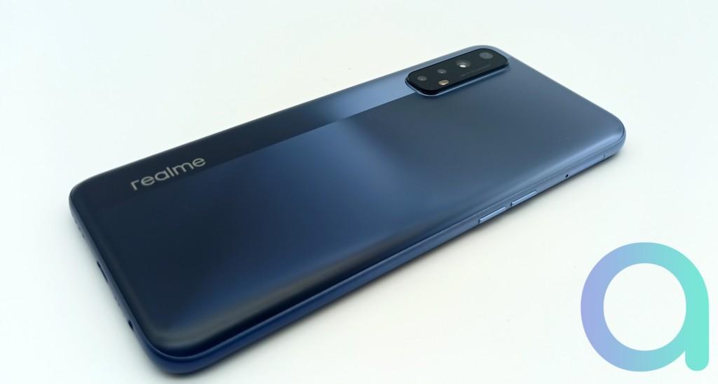 Notre avis sur le smartphone Realme 7 Mist Blue