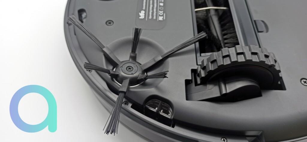 Balayette rotative composée de brin longs et corts de l'aspirateur connecté Trifo Emma Pet