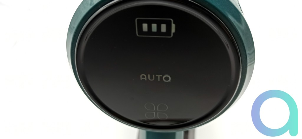 Ecran tactile de l'aspirateur balai ULTENIC U11 en mode AUTO