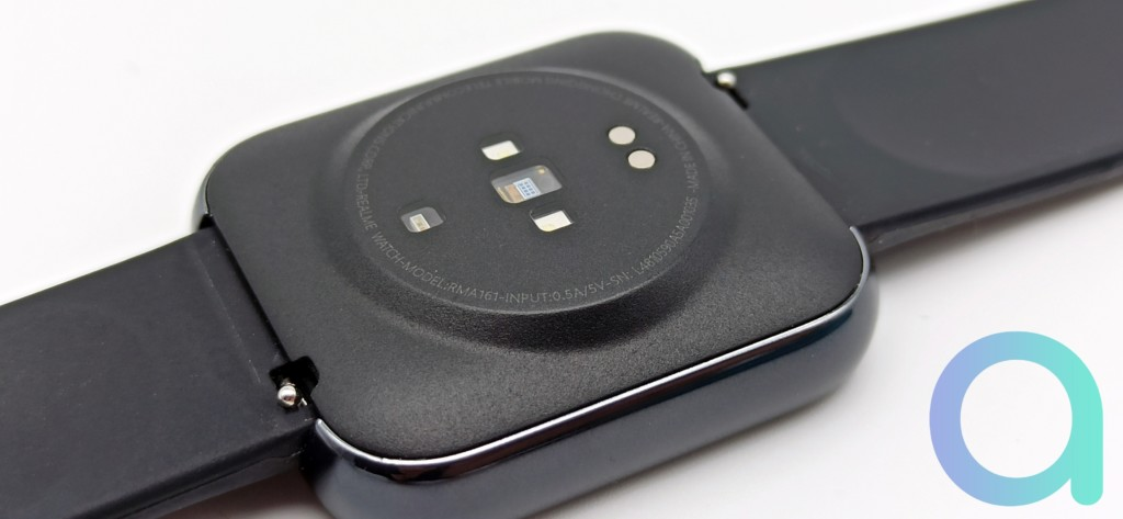 dos du cadran de la montre Realme Watch avec les capteurs