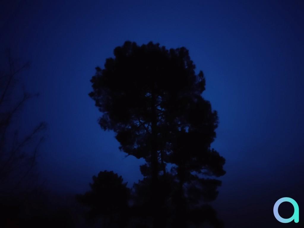 photo de nuit sans le mode nuit du smartphone Realme X3