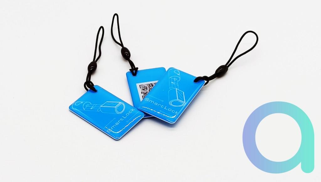 3 cartes RFID fournies avec la serrure à empreinte connectée We.lock