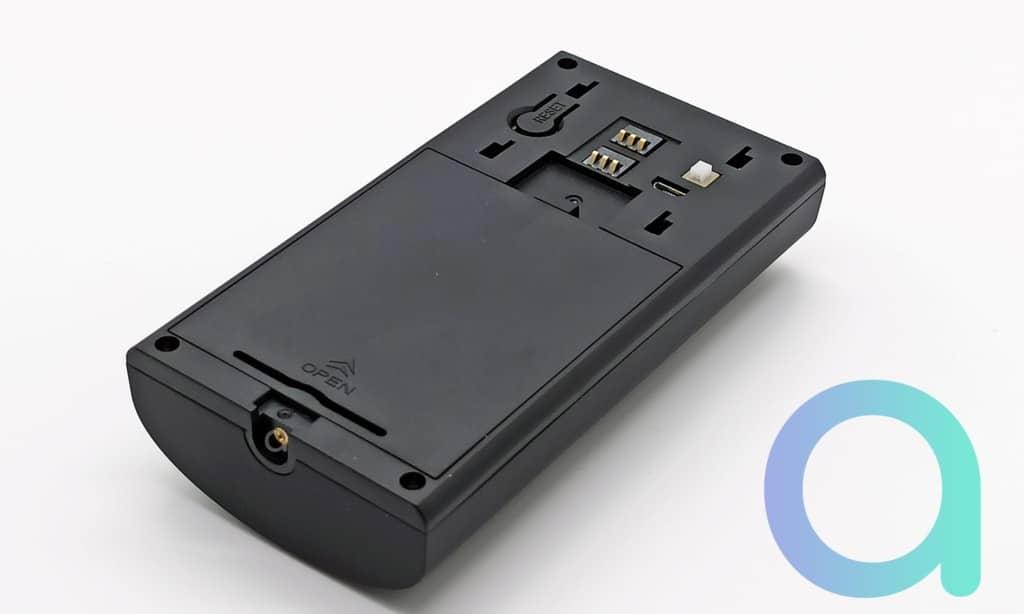 Facçde arrière de la sonnette connectée Zemismart M16 avec bouton reset et detecteur de mise en place