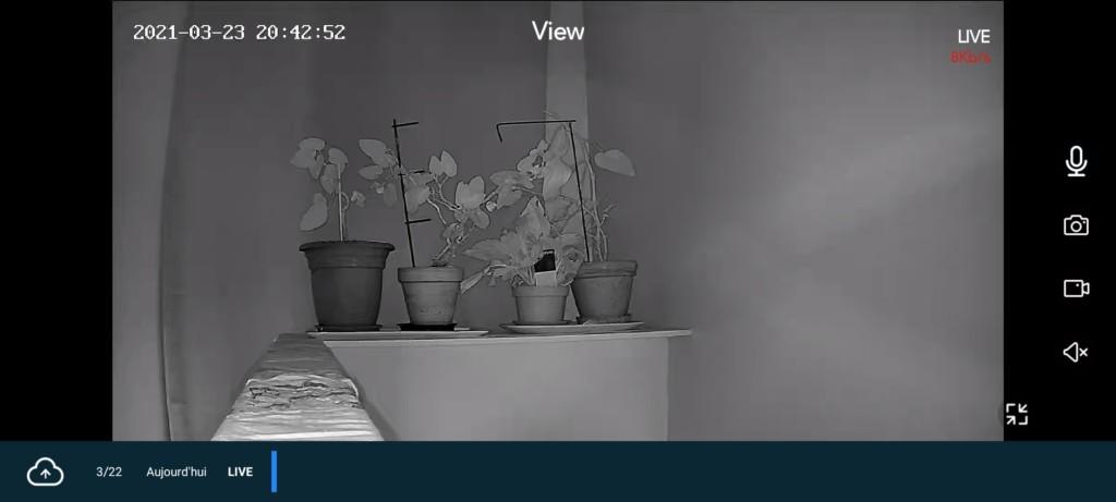 affichage en mode plein écran de l'application Teckin pour la caméra d'interieur TC 100