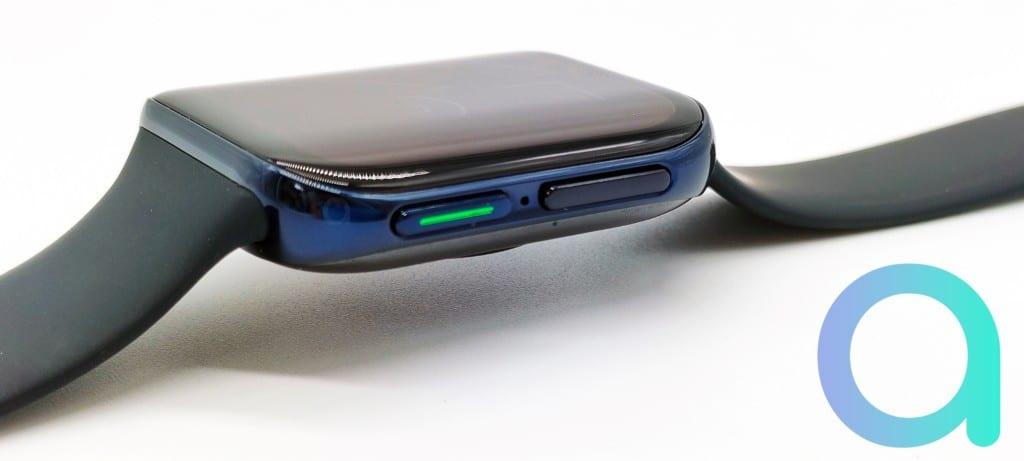 tranche droite de la Oppo Watch avec les boutons fonction Accueil et Multifonction