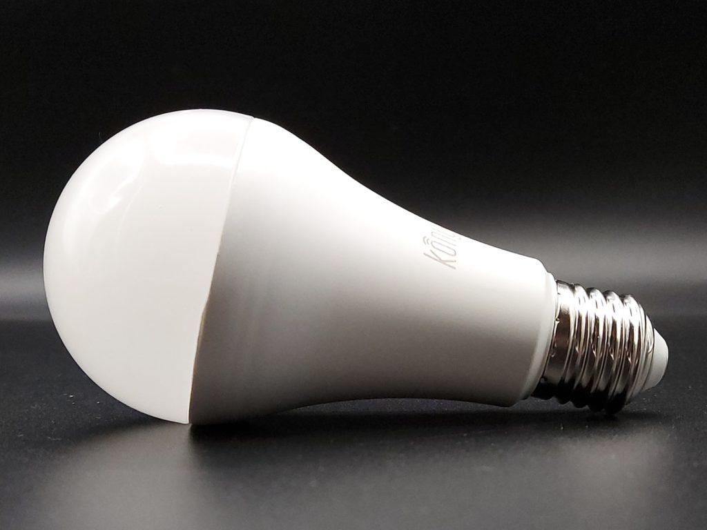Konyks Antalya Easy E27 ampoule connectée compatible avec les assistants sociaux Amazon Alexa Google Assistant et les raccourcis Siri