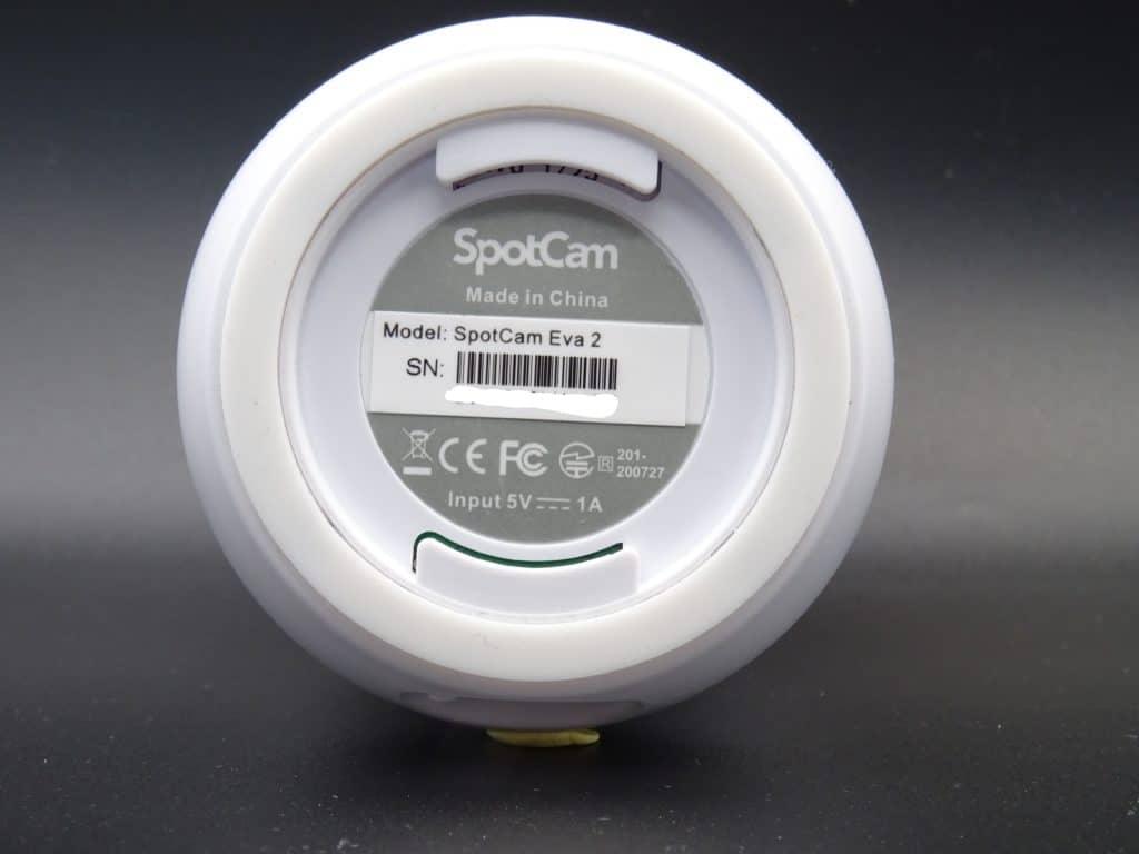 Mention de la conformité CE et du voltage pour la caméra Spotcam Eva 2