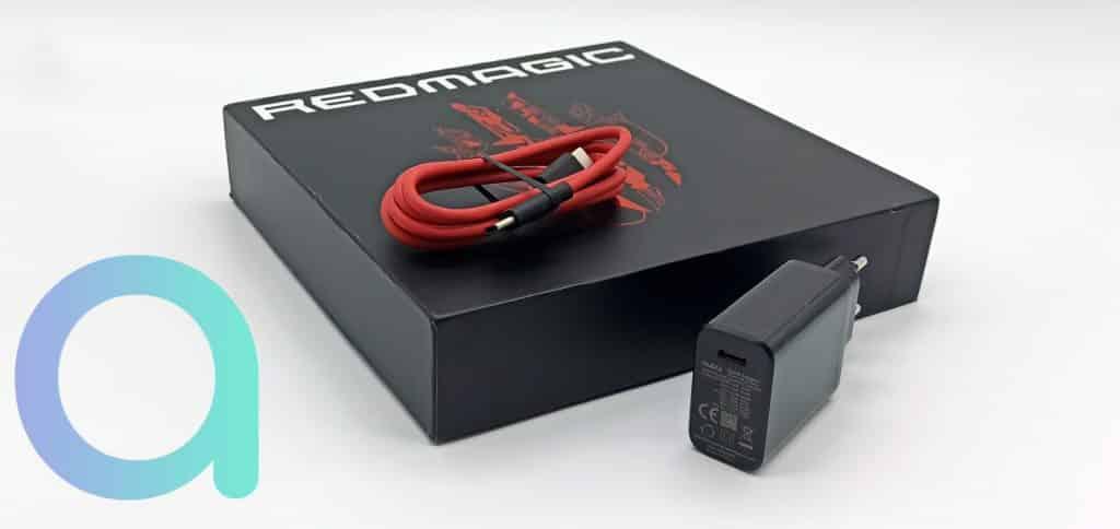 Accessoires livrés avec le smartone Nubia RedMagic 6