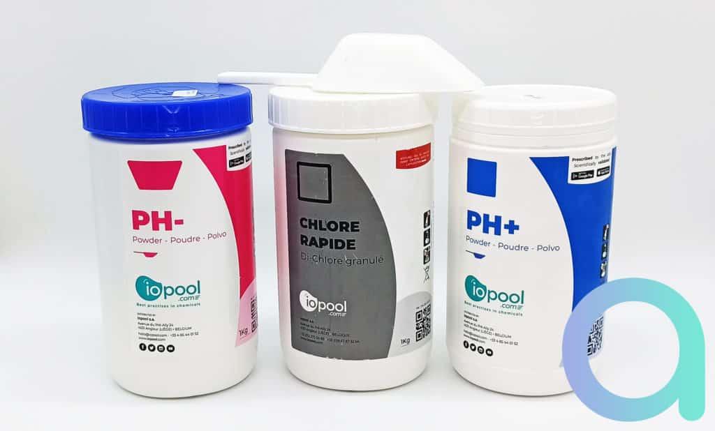 Contenu du pack de l'analyseur EcO Iopool 1 kg de : pH+, pH -, chlore rapide et 1 pelle