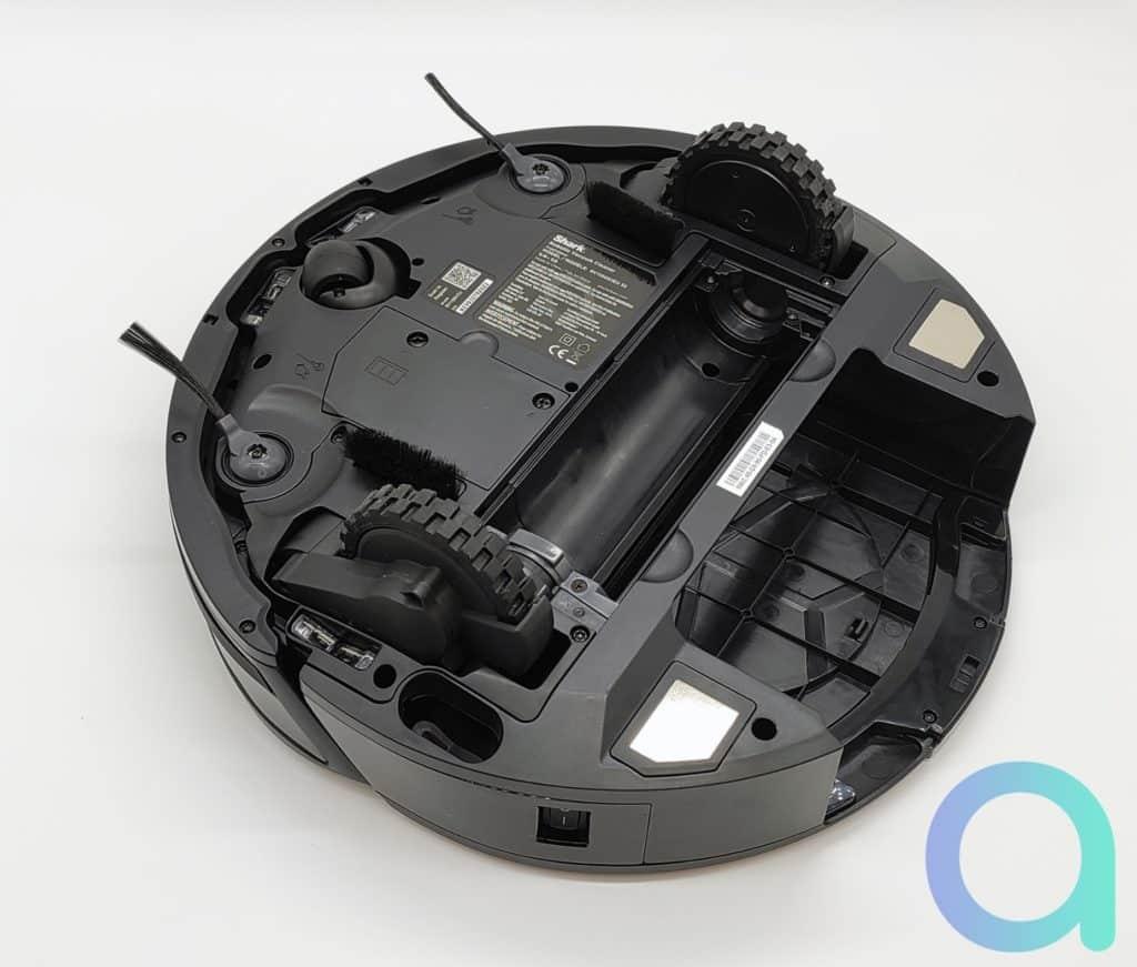 Brossettes simple sur le robot aspirateur connecté IQ Robot Shark