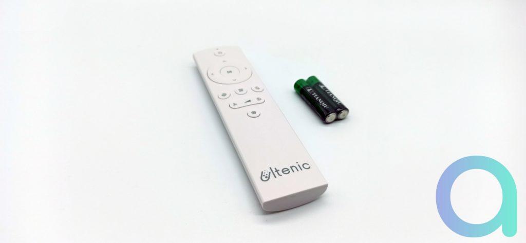 Télécommande livrée avec ses 2 piles AAA pour l'aspirateur Ultenic T10