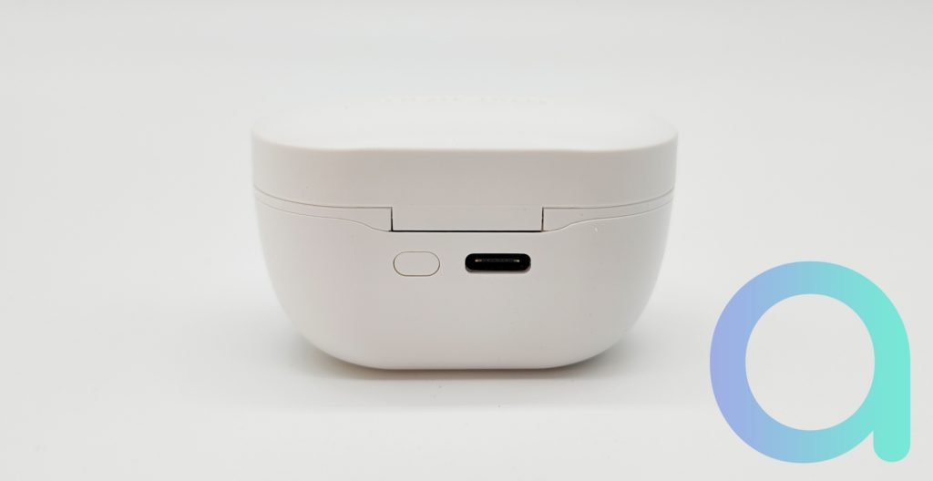 La prise USB C du boitier Transmart permet de recharger les écouteurs Appolo Air en 2.5 heures