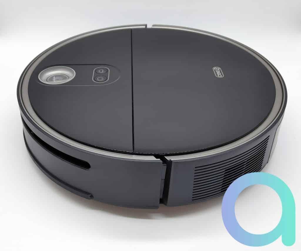En ABS et polycarbonate noir le robot aspirateur 360 S10 est de couleur noire