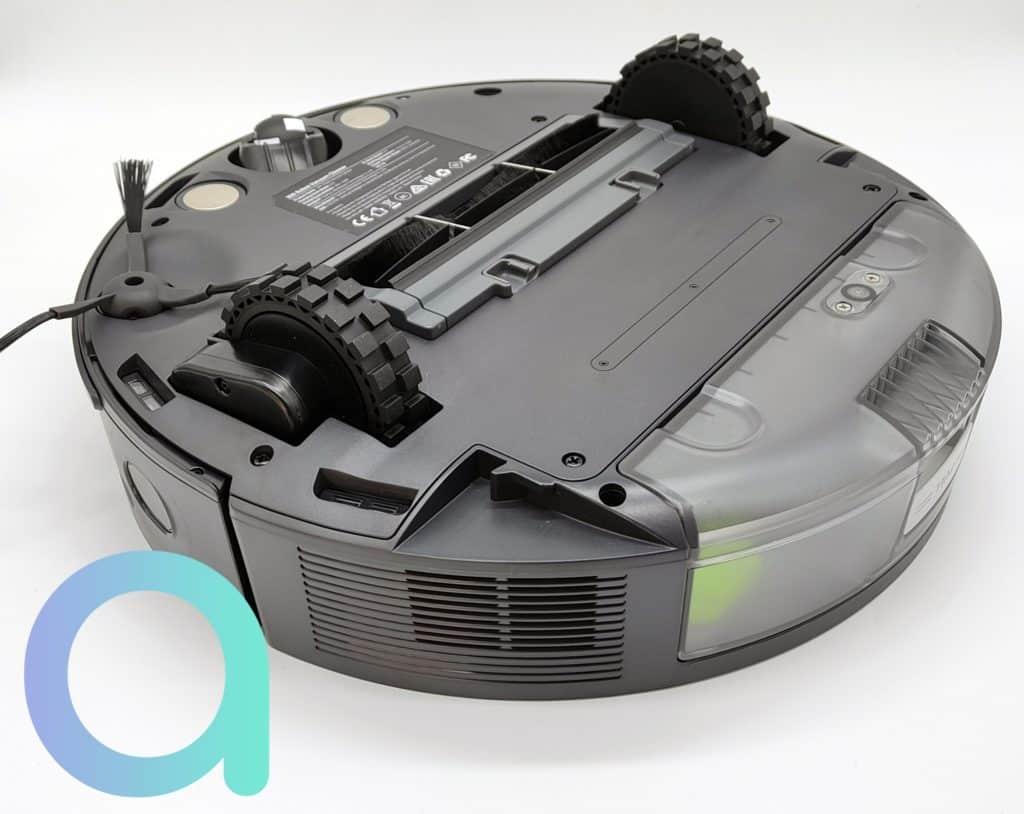 Le 360 S10 est équipé de 2 roues pneumatiques capables de franchir de petits obstables de 2 cm