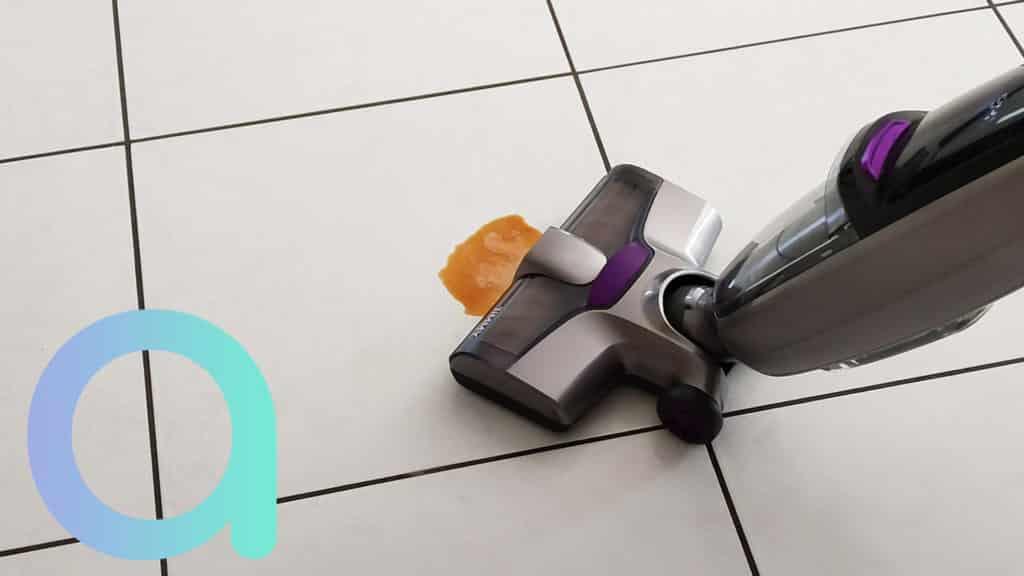 Les taches grasses ou sucrées seront effacées par le balai laveur Jimmy HW8 Pro