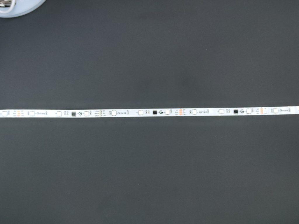 Les LED RGBIC du ruban Govee H6144 font 5 mm de coté